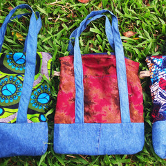Beautiful bags hand-sewn by the women of Shanti Uganda. From Shanti Uganda website
